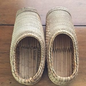 handmade Shoes - Asian Eco Friendly Unisex Seagrass House Clogs